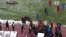 Le coach du CSKA Sofia assommé par une boule de neige