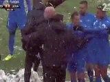 Des fans du Levski attaque l'entraineur du CSKA Sofia - Stoycho Mladenov (Levski 0 - 3 CSKA Sofia) TBI A Football Group