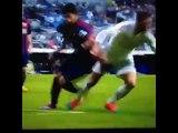 Luis Suárez accroche les parties intime de Sergio Ramos (Real Mardrid 3 - 1 Barcelona) Liga