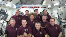 Obama plaisante par téléphone avec les astronautes de la navette Atlantis