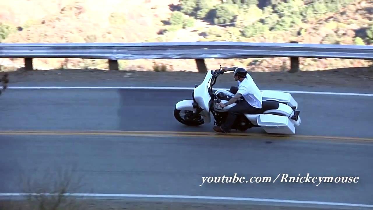 Harley Davidson – Araba Tutkum