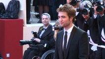 Robert Pattinson: Zieht mit Freundin FKA Twigs zusammen?