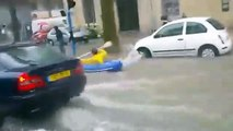 Un kayak dans les rues de Montpellier