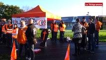 Brest. Une trentaine de manifestants autour de Carrefour