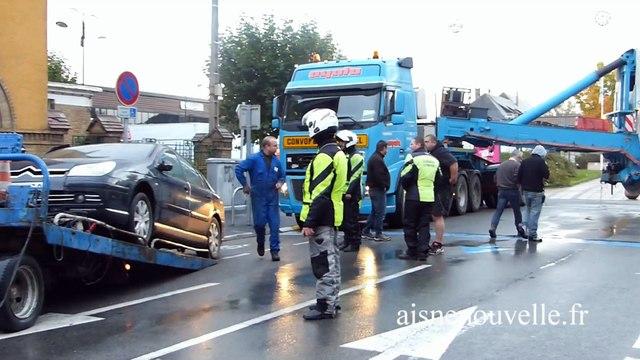 Un convoi exceptionnel bloqué dans la ville de Guise