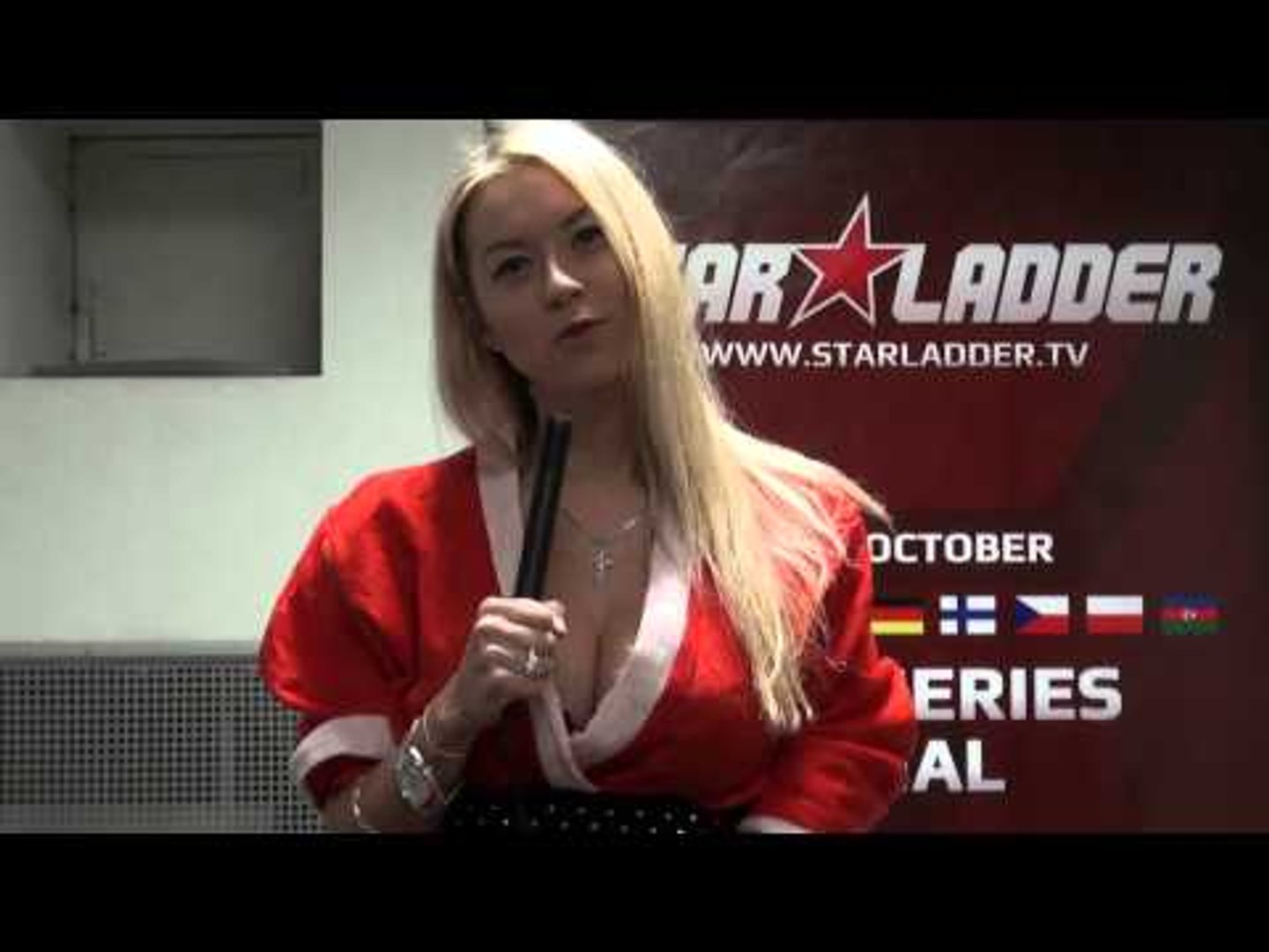 Polina Pinatri wishes you Merry XMas and a Happy New Year! (with English subtitles)