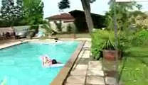 Pet foireux dans la piscine