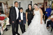 Fotoğraf Hasreti Çeken Çift 15 Yıl Sonra Yeniden Düğün Yaptı