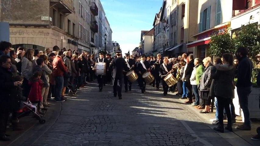 11-Novembre : défilé de la fanfare à Châlons