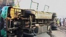 Scontro fra autobus e camion in Pakistan, almeno 56 morti