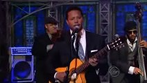 "Terrence Howard chante ""Love Makes You Beautiful"" au Late Show"