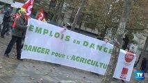 Les salariés de la Chambre d'Agriculture de l'Aude en grève ce vendredi ont manifesté dans les rues de Carcassonne craignant pour leurs emplois suite à la diminution de leur budget