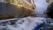 Greenpeace boat VS spanish army boat : violent clash resulting in one injury from Greenpeace!