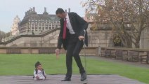 Rencontre : l'homme le plus grand et le plus petit du monde