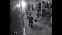 Un boxeur met KO deux hommes avec deux coups de poing