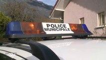 2014/11/11 12h45 Jt M6► Cambriolage de la Police-Municipale Montbonnot-Saint-Martin Isère Laurent PADÉ le Cordonnier Mal Chaussé ! Extrait Journal Information France Télévision Mardi 11 Novembre 2014
