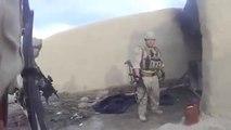 Il se prend une balle de sniper Taliban dans le casque