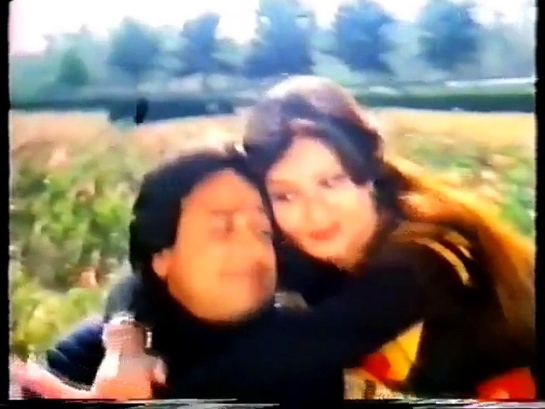 ABHI ABHI MAIN US SE MILKAR AAYA HOON - (Khubsoorat - 1982)