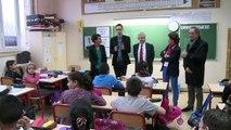 Najat Vallaud-Belkacem visite une école primaire à Bondy