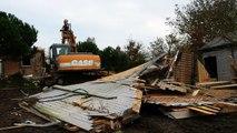 Destruction de la maison de la famille Saunier au village de Saint-Léonard à Vains dans la baie du Mont-Saint-Michel.