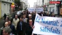 Brest. 1.200 notaires et clercs de Bretagne manifestent