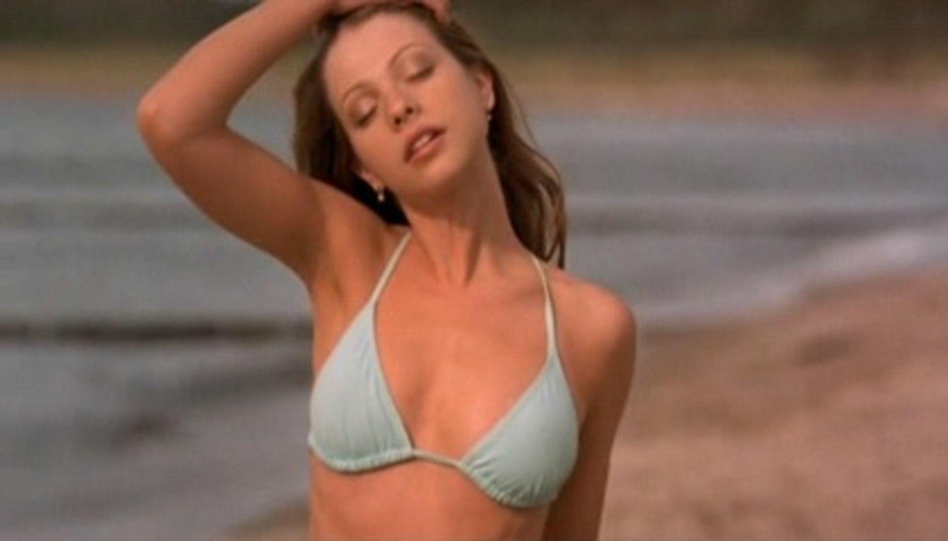 Eurotrip Michelle Trachtenberg In Bathing Suit