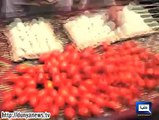 Dunya News - Police fails PMLN workers' plan of throwing eggs, tomatos at PTI rally