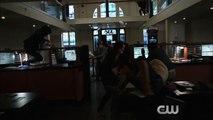 [HD] The Flash 1x08 Promo Flash vs. Arrow (HD) Flash/Arrow Crossover Event