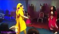 Dulhan Dance In Her Own Wedding - WOW MAZA
