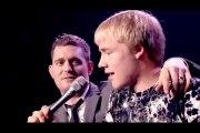 Son fils chante mieux que le chanteur !