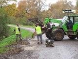 VIDEO. Les habitants rebouchent les routes à Valaire (Loir-et-Cher)