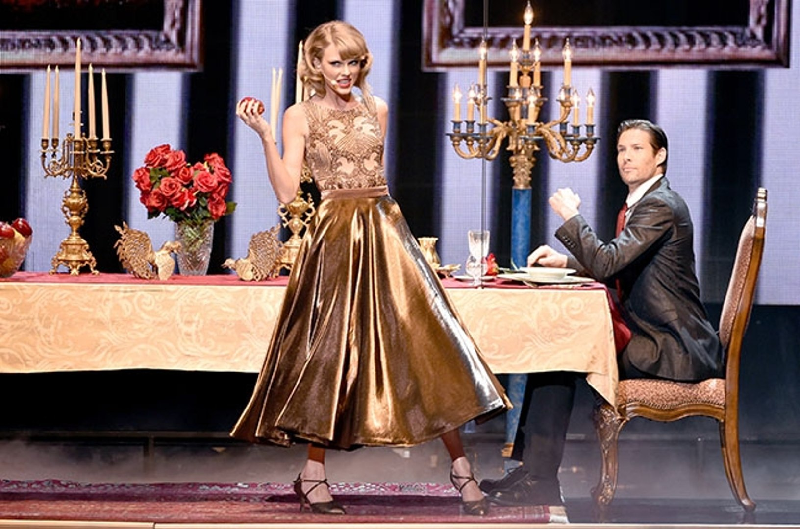 Taylor Swift Blank Space Performance American Music Awards 2014