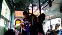 En Inde deux soeurs ripostent face à leurs agresseurs dans un bus