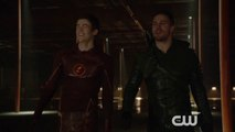 """Arrow - The Flash and Arrow Screening """"Producers Interview"""" [VO