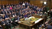 El gobierno británico anuncia nuevos impuestos a las multinacionales y los bancos