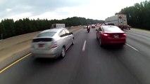 Crash en moto à grande vitesse sur l'autoroute