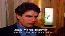1995 : Découverte d'une grotte avec des peintures rupestres à Vallon Pont d'Arc