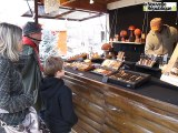 VIDEO.Julien Guyon tourneur sur bois au marché de Noël de Niort