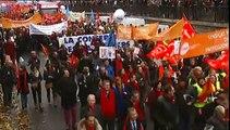 Avocats, notaires, huissiers de justice manifestent contre la loi Macron