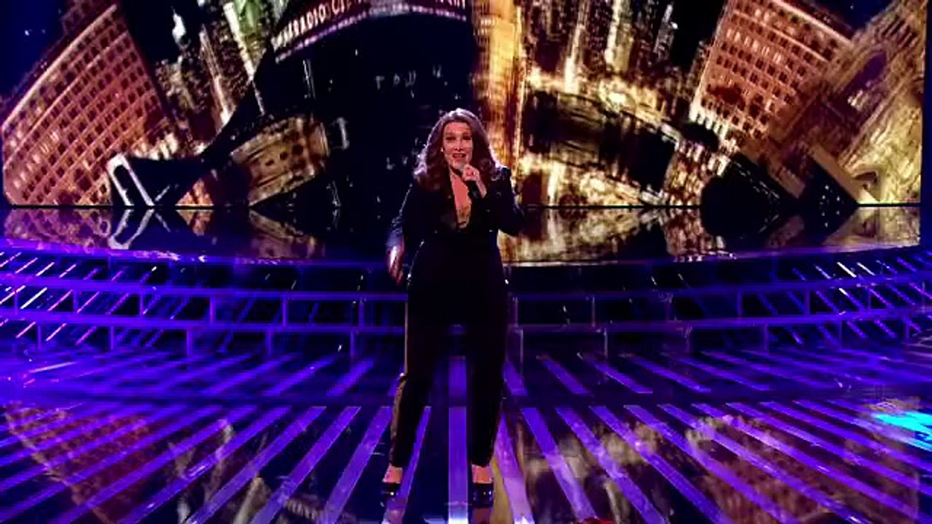 Sam Bailey sings New York New York by Frank Sinatra - Live Week 5 - The X Factor 2013 -Official Chan
