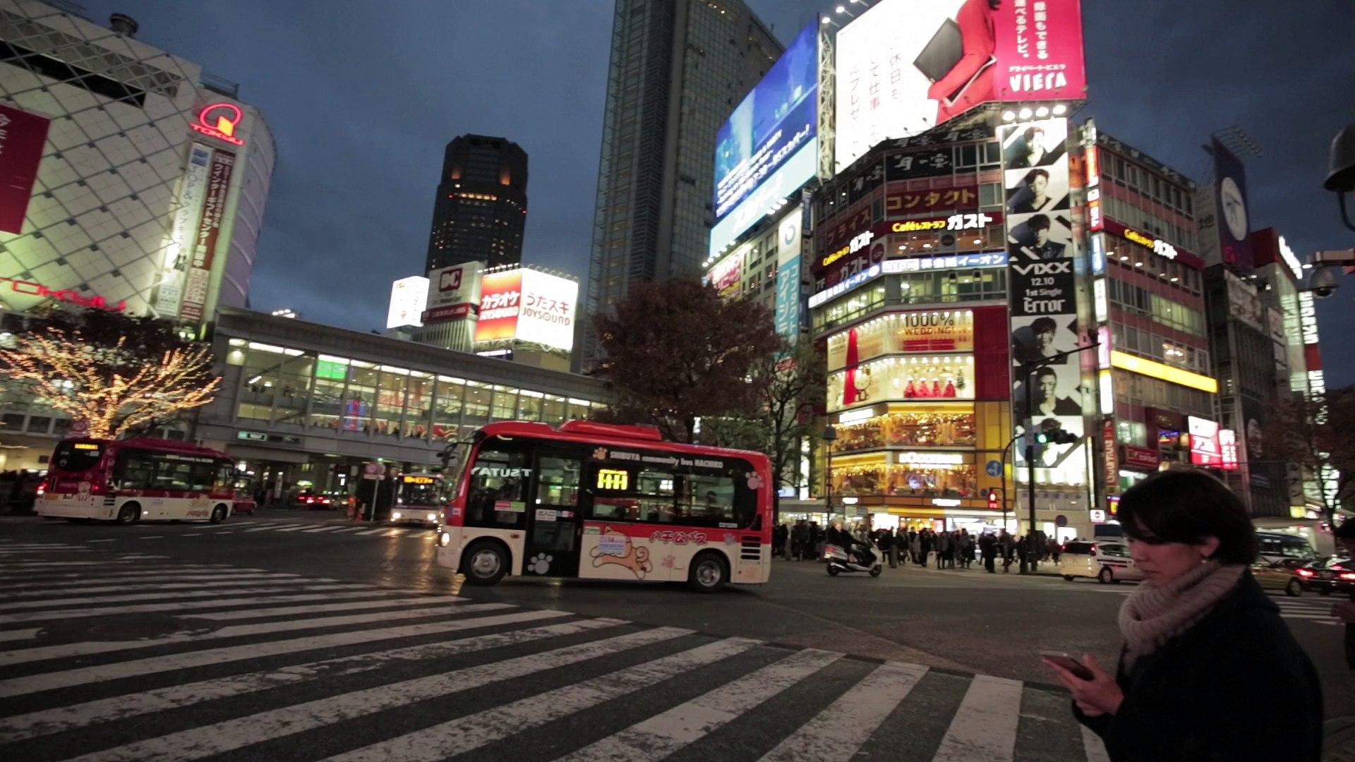 Interview de Raf Simons au défilé Dior à Tokyo
