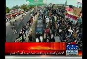 PTI Workers Looted Food After A Hard Work