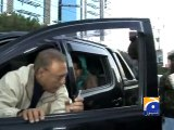 Watch Maula Jatt Style of Dr. Arif Alvi While Shutting Down His Area in Karachi