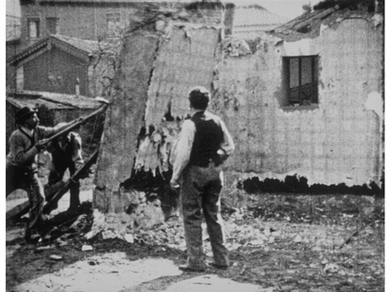 Come Abbattere Un Muro auguste & louis lumière: démolition d'un mur (1896)