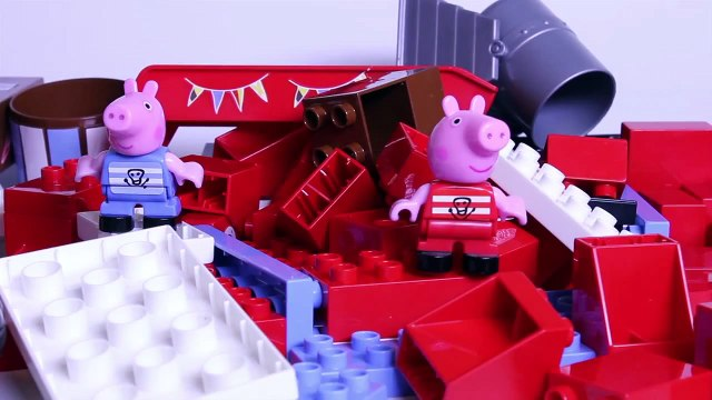 Peppa Pig Pirate Ship Blocks Peppa Pig Building Toys Peppa and George Barco Pirata Megabloks