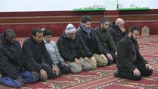 Mulcumanos na Italia querem mais Mesquistas para orar