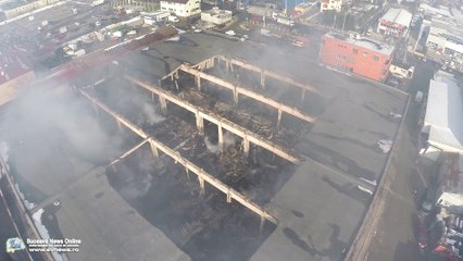 Centrul Comercial Rozita distrus de incendiu