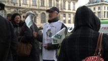 Center Parcs en Isère : manifestations des pro et anti devant le tribunal