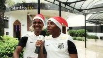 Robinho comanda cantoria de Natal no Santos