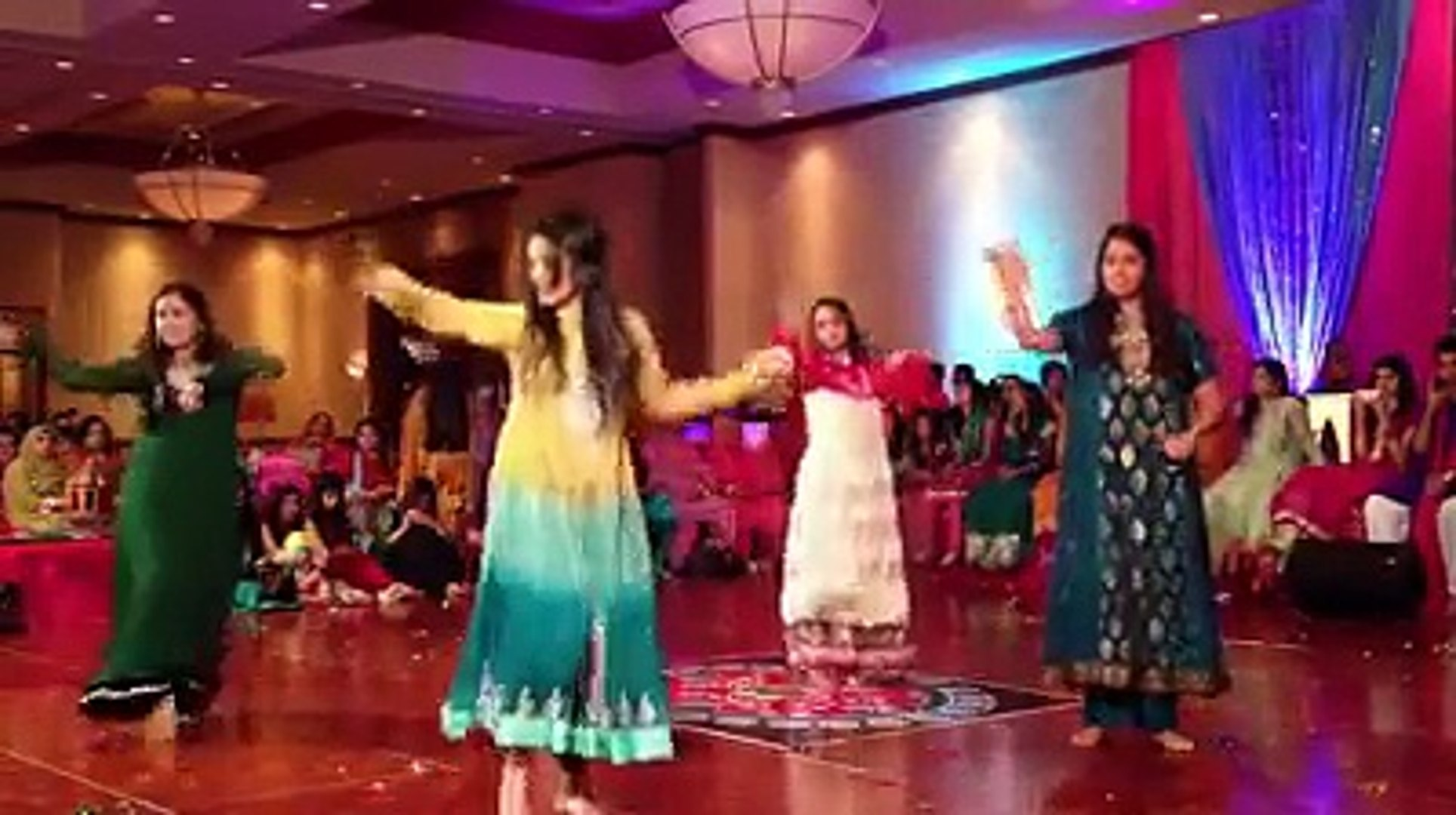 Maryam Nawaz Dance in Wedding Of Brother Hassan Nawaz Sharif